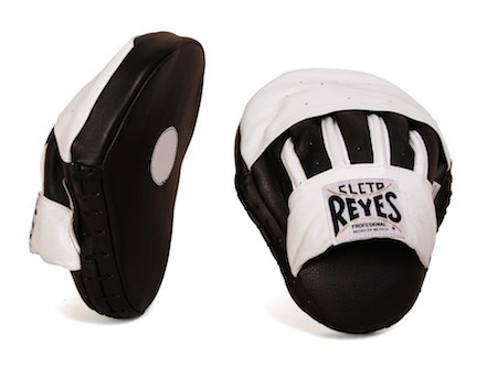 Cleto Reyes Curved Punch Mitts - 1 Pair