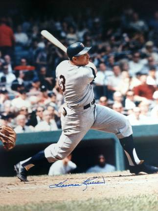 "Harmon Killebrew Autographed ""Swinging"" Minnesota Twins 11x14 Photo"