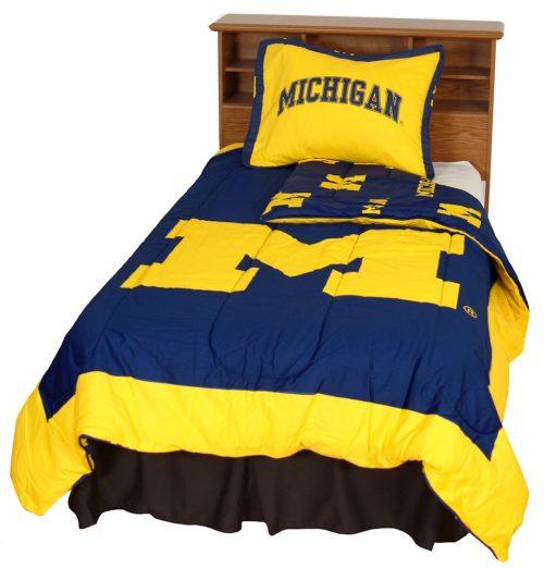 Michigan Wolverines Reversible Comforter Set (King)