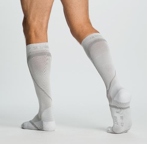 Sigvaris Performance Sock 412CLS00 20-30mmHg Ankle Closed Toe Calf Socks - White Long Small