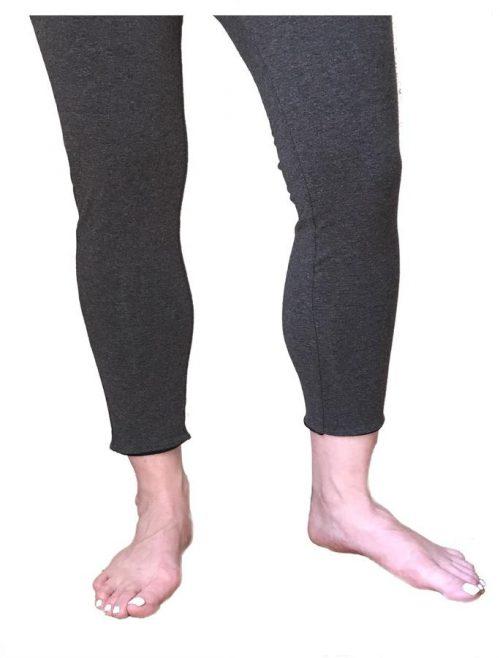 Reversible 755874005834 Womens Cropped Leggings - Black & Grey Small