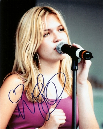 """Mandy Moore Autographed 8"""" x 10"""" Photograph (Unframed)"""