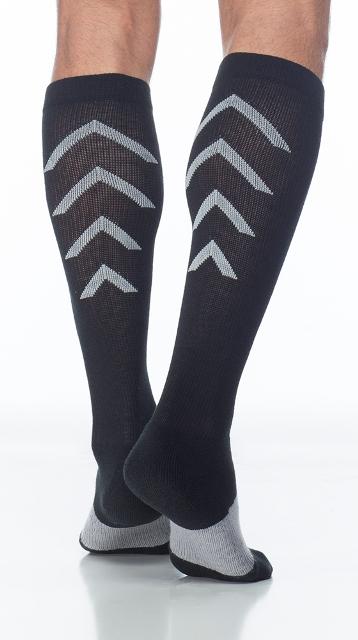 Sigvaris Athletic Recovery 401CM99 15-20mmHg Athletic Recovery Closed Toe Calf Socks - Black Medium