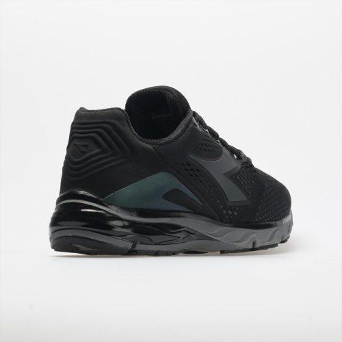 Diadora Mythos Blushield Hip 3: Diadora Men's Running Shoes Black/Steel Gray
