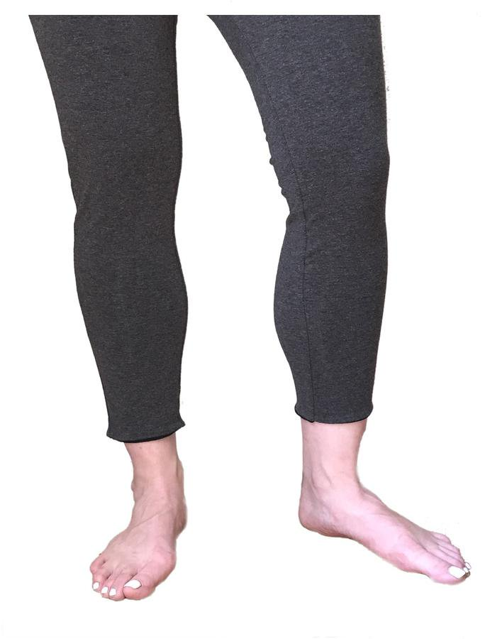 Reversible 755874005858 Womens Cropped Leggings - Black & Grey Large